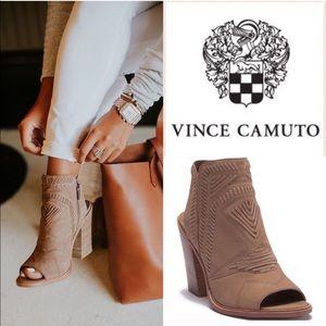 VINCE CAMUTO KARINTA BOOTIES